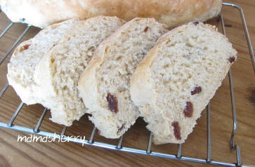 健康レシピの健康パン:玄米入りレーズンパン